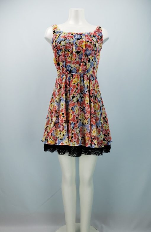 Betsey Johnson Floral Pleated-Detail With Lace Hem Size 4